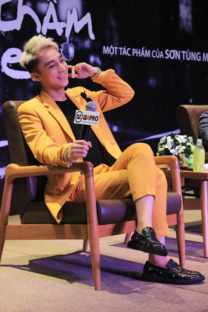 Hit mới của Sơn Tùng M-TP làm khuấy đảo Vpop - Ảnh 2