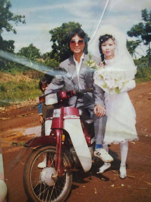 Dân mạng đua nhau khoe ảnh cưới của bố mẹ - Ảnh 10