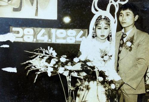 Dân mạng đua nhau khoe ảnh cưới của bố mẹ - Ảnh 14