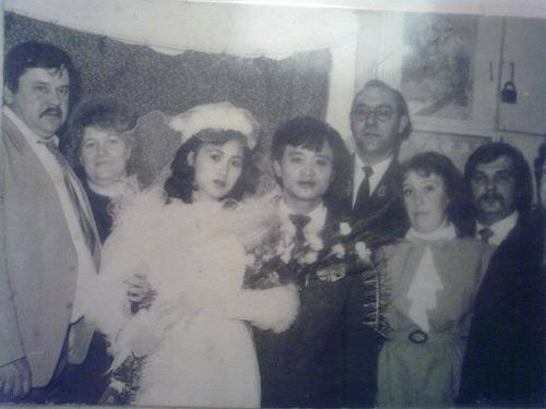 Dân mạng đua nhau khoe ảnh cưới của bố mẹ - Ảnh 4