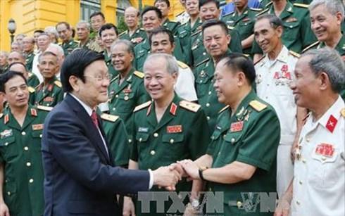 Chủ tịch nước gặp mặt cựu chiến binh 2 sư đoàn anh hùng - Ảnh 1