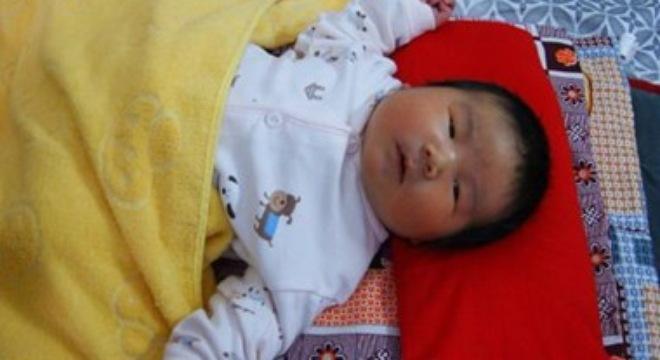 Hi hữu: Em bé chào đời nặng 6,2 kg - Ảnh 1