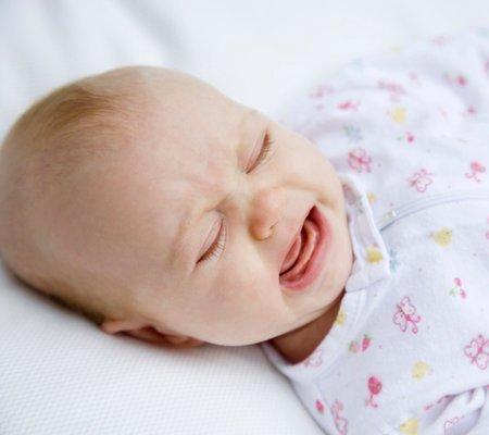 Nguyên nhân và cách phòng tránh bệnh nhiệt miệng ở trẻ nhỏ - Ảnh 2