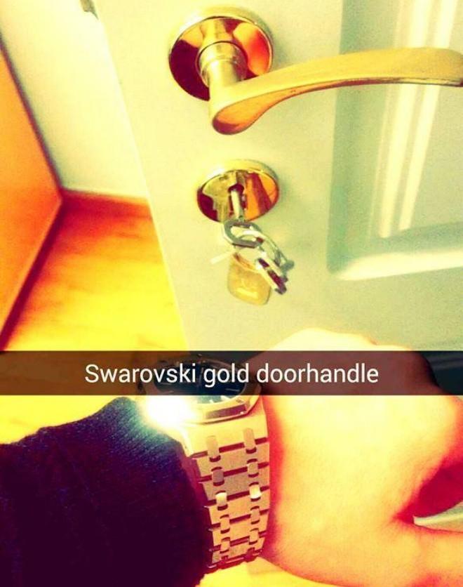 Lối sống khoe khoang của hội con nhà giàu qua Snapchat - Ảnh 9