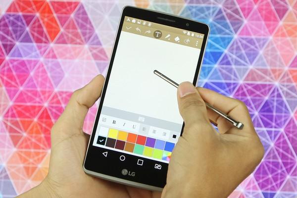 4 smartphone thiết kế đẹp sẽ bán ra trong tháng 8 - Ảnh 2