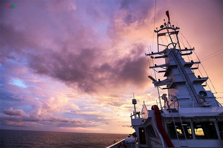 Khám phá tàu 8002 của Cảnh sát biển Việt Nam - Ảnh 5