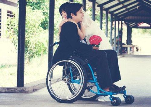 Chuyện tình cảm động của cô gái xinh đẹp và chàng trai khuyết tật - Ảnh 2