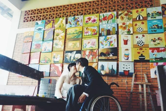 Chuyện tình cảm động của cô gái xinh đẹp và chàng trai khuyết tật - Ảnh 4