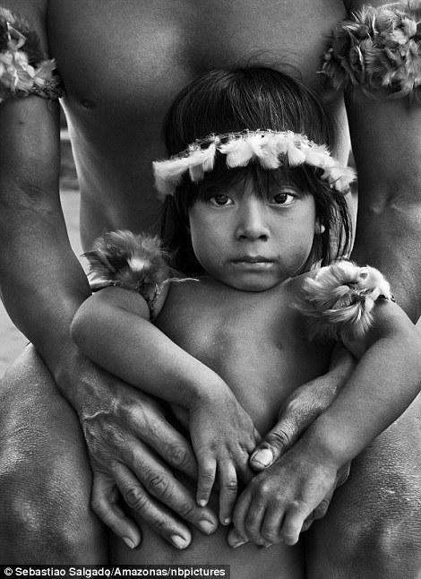 """Chùm ảnh """"đẹp"""" về cái nghèo đói vẫn bủa vây thế giới - Ảnh 6"""