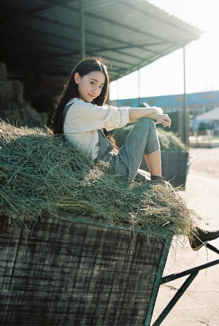 """Hotgirl chăn ngựa đẹp tựa """"thiên thần"""" gây sốt mạng - Ảnh 4"""