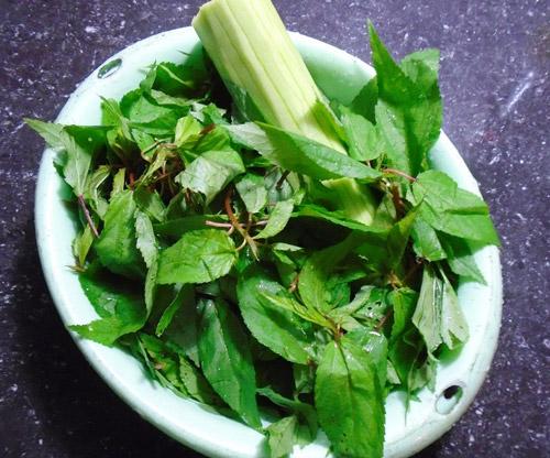 Ngọt mát món canh rau đay nấu cáy cho bữa cơm tối cuối tuần - Ảnh 2