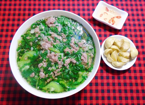 Ngọt mát món canh rau đay nấu cáy cho bữa cơm tối cuối tuần - Ảnh 3