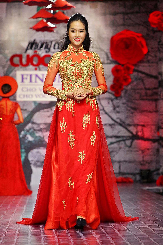 Lê Thị Phương trở lại sàn diễn thời trang sau đám cưới - Ảnh 4