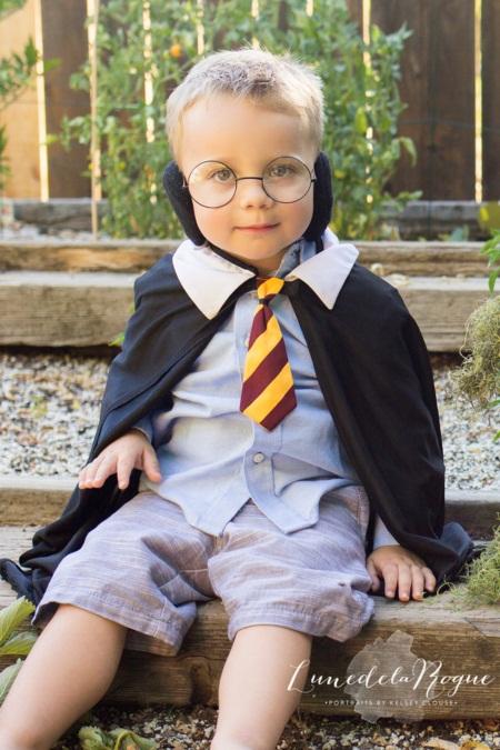 """Em bé hóa thân thành Harry Potter """"siêu đáng yêu"""" - Ảnh 4"""