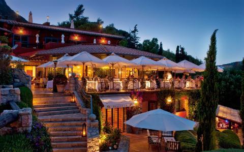 Những khách sạn bên bờ biển đẹp nhất châu Âu cho chuyến du lịch hè - Ảnh 2