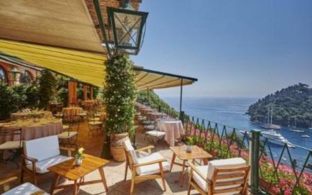Những khách sạn bên bờ biển đẹp nhất châu Âu cho chuyến du lịch hè - Ảnh 4