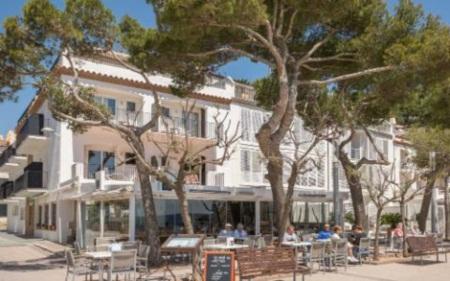 Những khách sạn bên bờ biển đẹp nhất châu Âu cho chuyến du lịch hè - Ảnh 5