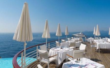 Những khách sạn bên bờ biển đẹp nhất châu Âu cho chuyến du lịch hè - Ảnh 8