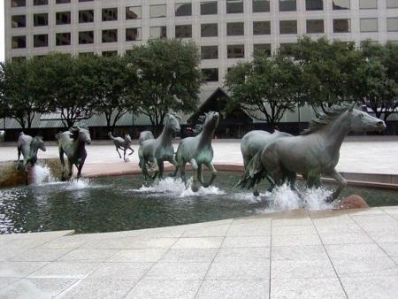 Chiêm ngưỡng những tác phẩm điêu khắc tuyệt vời nhất của thế giới - Ảnh 2