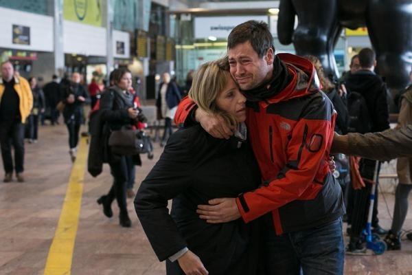 Máy bay rơi ở Pháp: Cách ly cha mẹ cơ phó để thẩm vấn - Ảnh 1