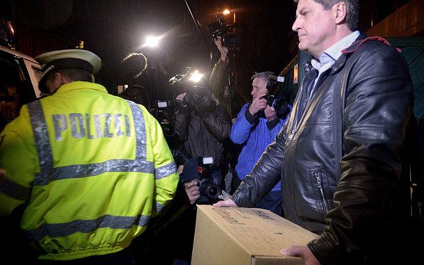 Máy bay rơi ở Pháp: Tìm thấy manh mối tại nhà cơ phó - Ảnh 3