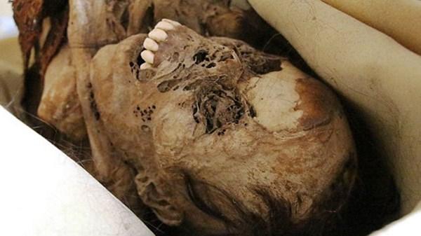 """Hoảng hồn xác ướp 900 tuổi """"há miệng cười lớn"""" - Ảnh 2"""