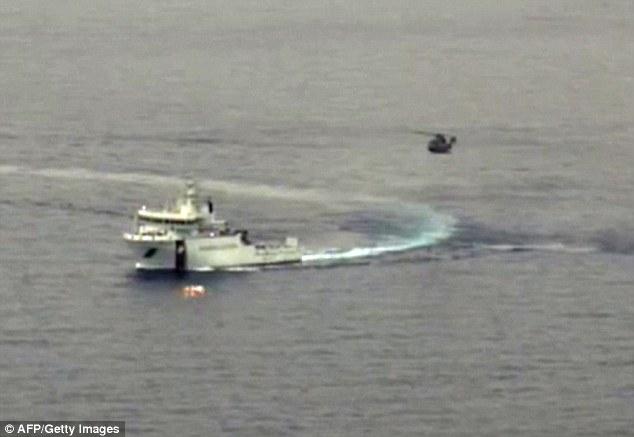 Chùm ảnh: Hiện trường vụ lật thuyền trên biển Địa Trung Hải - Ảnh 12