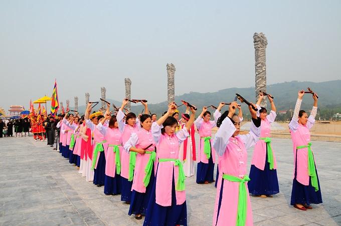 Nhộn nhịp lễ khai hội Tây Thiên 2015 - Ảnh 6