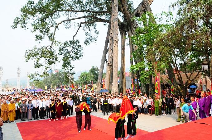 Nhộn nhịp lễ khai hội Tây Thiên 2015 - Ảnh 7