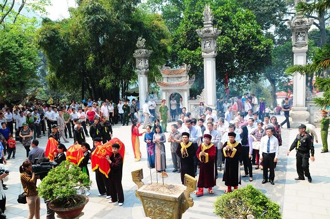 Nhộn nhịp lễ khai hội Tây Thiên 2015 - Ảnh 8