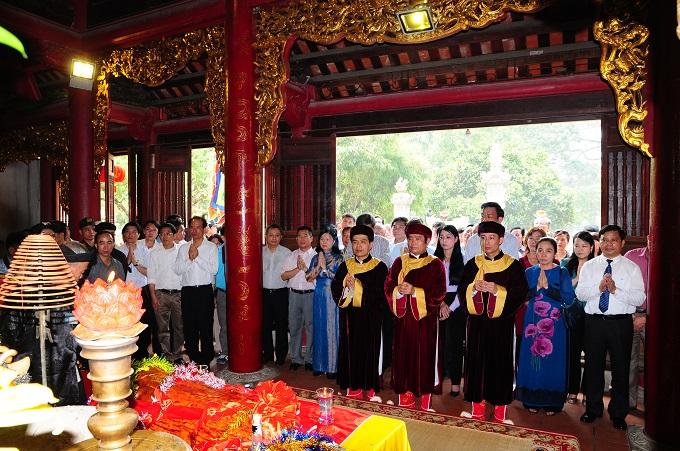 Nhộn nhịp lễ khai hội Tây Thiên 2015 - Ảnh 10