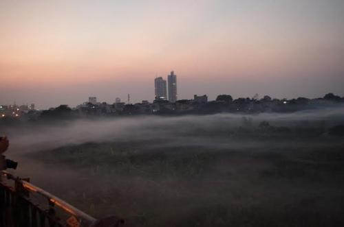 Xôn xao hiện tượng sương khói kỳ thú trên cầu Long Biên - Ảnh 2