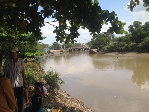 TP.HCM: Tìm cụ bà 73 tuổi bỗng mất tích dưới sông - Ảnh 1