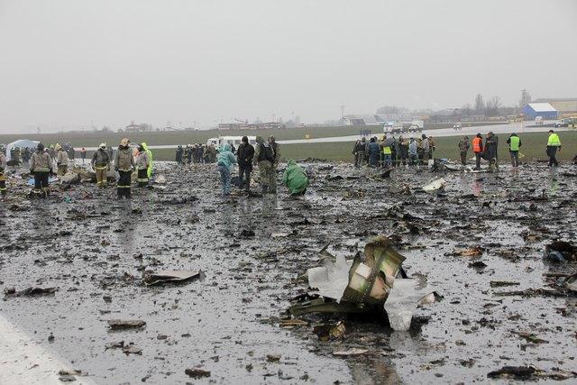 Hiện trường thảm khốc vụ máy bay chở 62 người rơi tại Nga - Ảnh 3