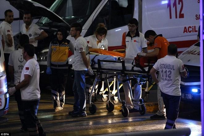 Toàn cảnh 3 vụ đánh bom đẫm máu tại Istanbul khiến hơn 30 thiệt mạng - Ảnh 3