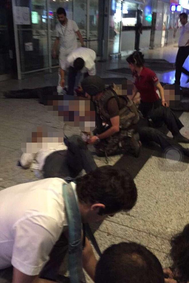Toàn cảnh 3 vụ đánh bom đẫm máu tại Istanbul khiến hơn 30 thiệt mạng - Ảnh 1