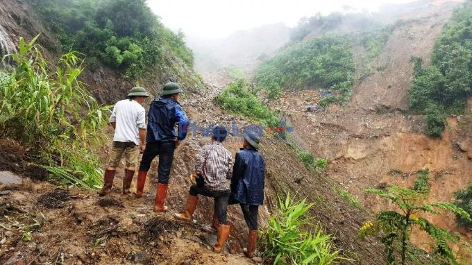 Vụ sập bãi vàng tại Lào Cai nhiều người thương vong: Tiếp cận hiện trường - Ảnh 2