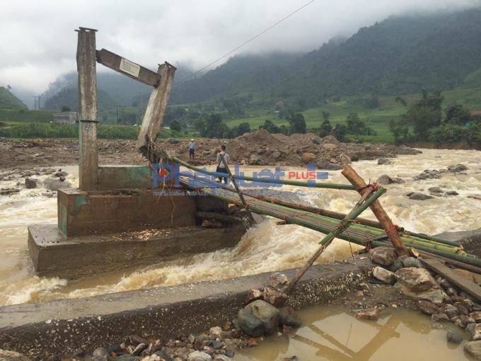 Vụ sập bãi vàng tại Lào Cai nhiều người thương vong: Tiếp cận hiện trường - Ảnh 3