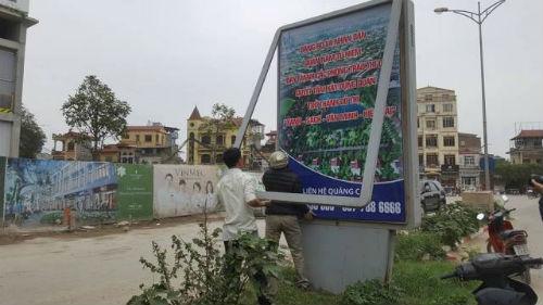 Bảng tuyên truyền tại quận Nam Từ Liêm sai chính tả rất ngây ngô - Ảnh 1