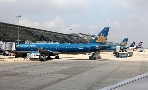 Phí dịch vụ hàng không sắp tăng mạnh - Ảnh 1