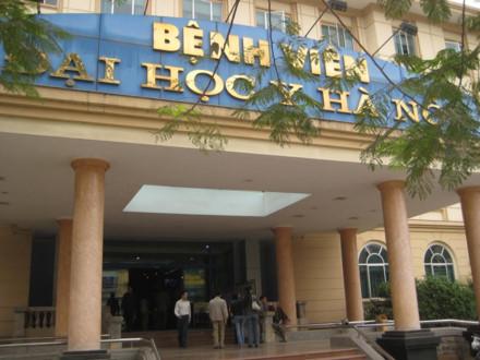 20 thanh niên lao vào Bệnh viện Đại học Y Hà Nội đánh bệnh nhân nguy kịch - Ảnh 1