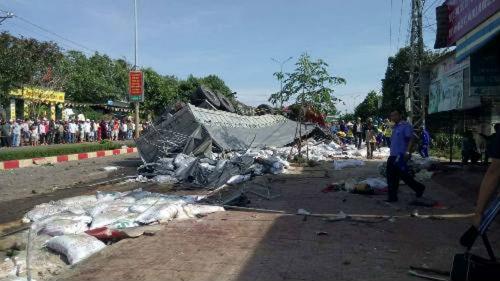 Chùm ảnh hiện trường vụ tai nạn thảm khốc ở Gia Lai khiến 12 người chết - Ảnh 6
