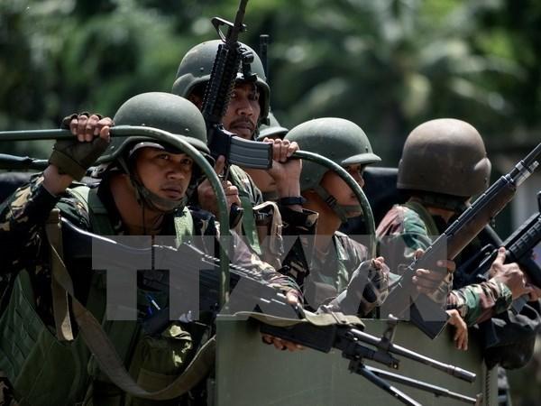 Philippines ồ ạt tiến đánh phiến quân Hồi giáo ở Marawi - Ảnh 1