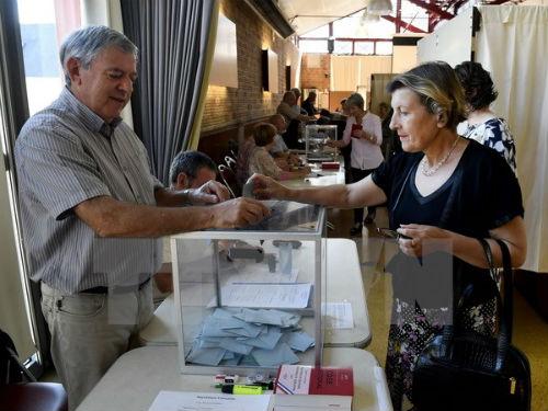 Cử tri vắng mặt tăng kỷ lục trong cuộc bầu cử Hạ viện Pháp - Ảnh 1