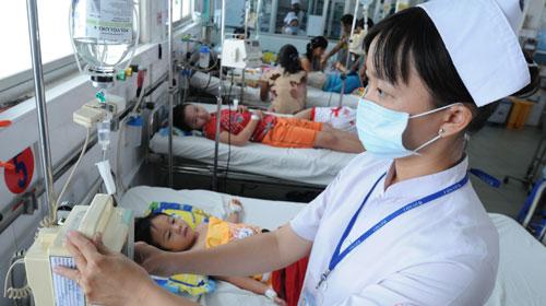 Công điện khẩn của Bộ Y tế về dịch sốt xuất huyết - Ảnh 1