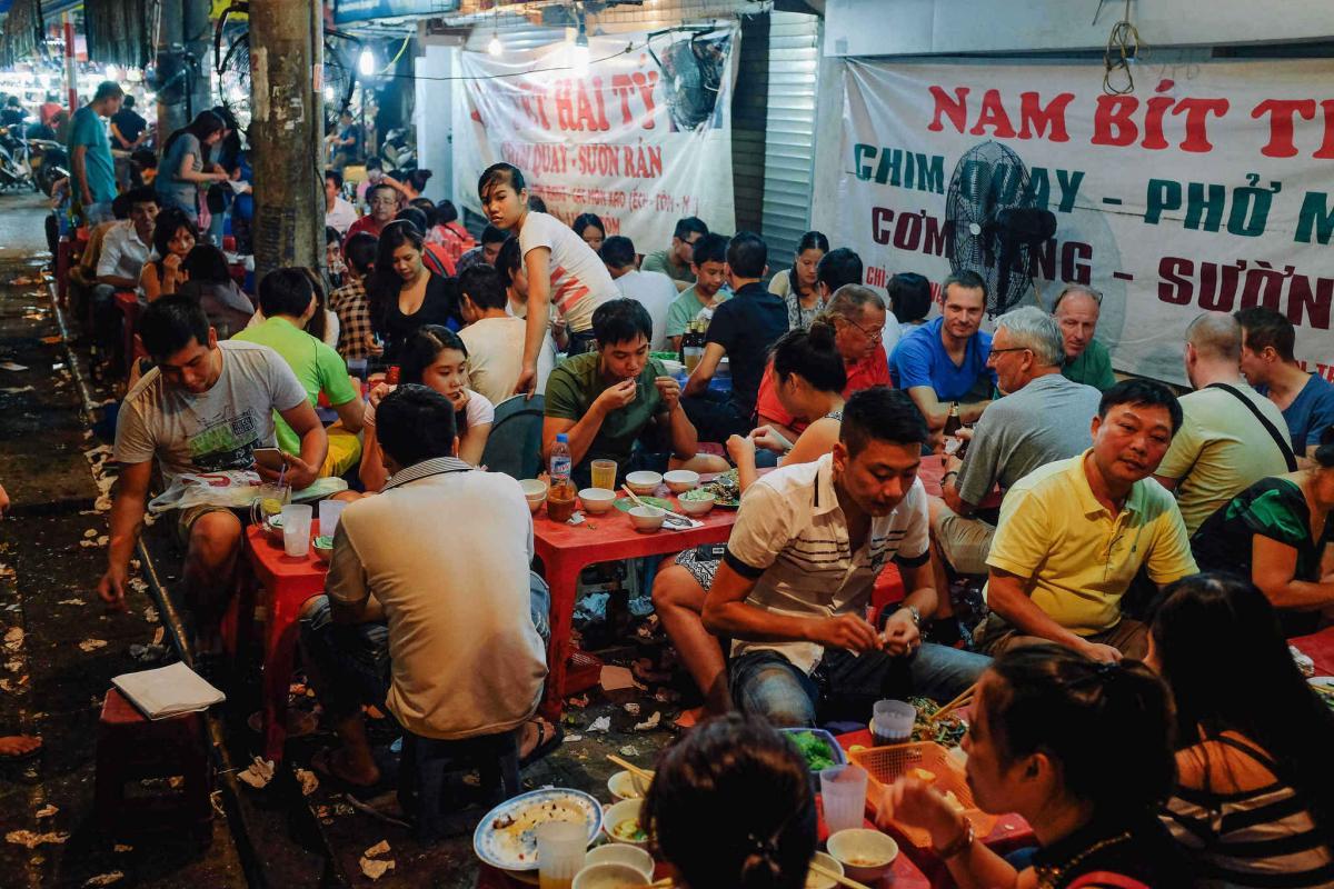 Ẩm thực đường phố Hà Nội hấp dẫn nhất châu Á - Ảnh 1