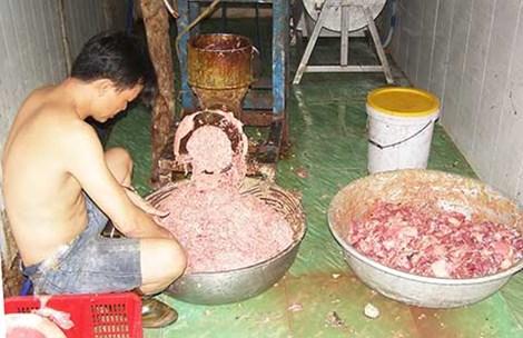 Thịt gà, heo hôi thối biến thành bò viên vàng ươm - Ảnh 2