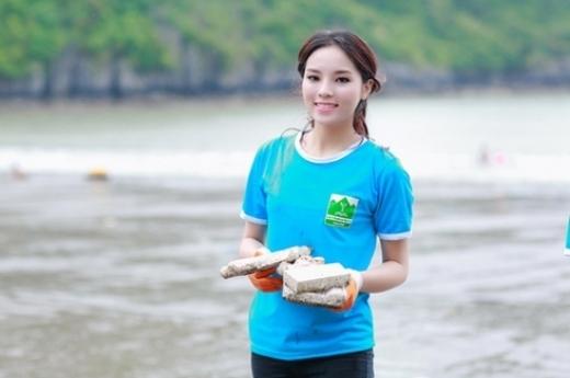 Hoa hậu Kỳ Duyên nói gì về cáo buộc dựng cảnh nhặt rác? - Ảnh 3