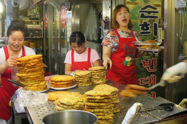 12 món ăn đường phố hấp dẫn nên thử khi du lịch Hàn Quốc - Ảnh 5