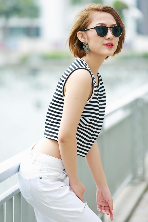 Trang Cherry quần jeans, áo hai dây sexy xuống phố - Ảnh 10